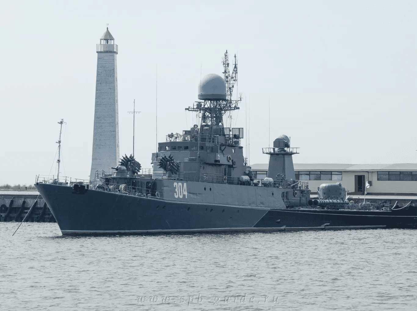 1. Военные корабли в Средней (Петровской) гавани