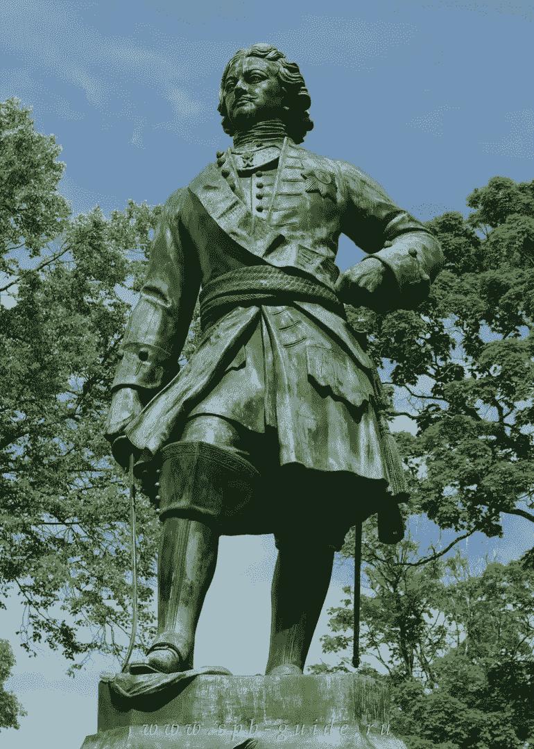10. Памятник Петру I и Петровский парк